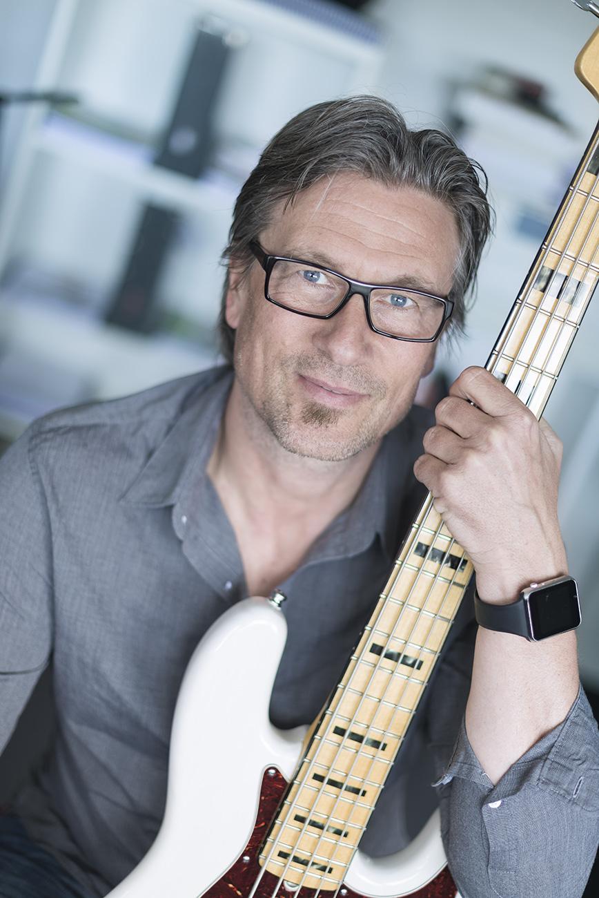 Henrik Deleuran, professionel basunderviser tilbyder undervisning i elbas og kontrabas i Aarhus